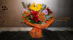 Ramo de regalo de flor variada