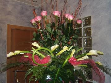 Centro de rosas y calas