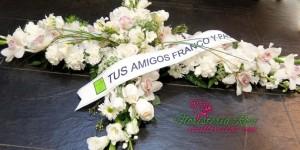 Cruz de flores para difunto en Murcia