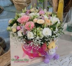 Caja de flores para nacimiento